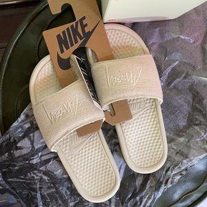 STUSSY slides Benassi Nike in Stone color